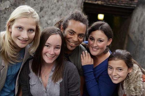 photo de personnes à l'église (instagram de l'église protestante de Genève)
